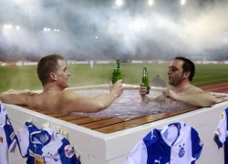 /images/fans/supporter-jacuzzi-1.jpg