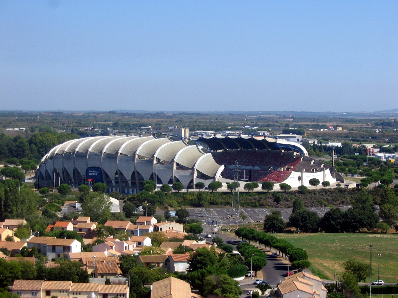 Stade de la m diterran e info stades for Maison de la literie beziers