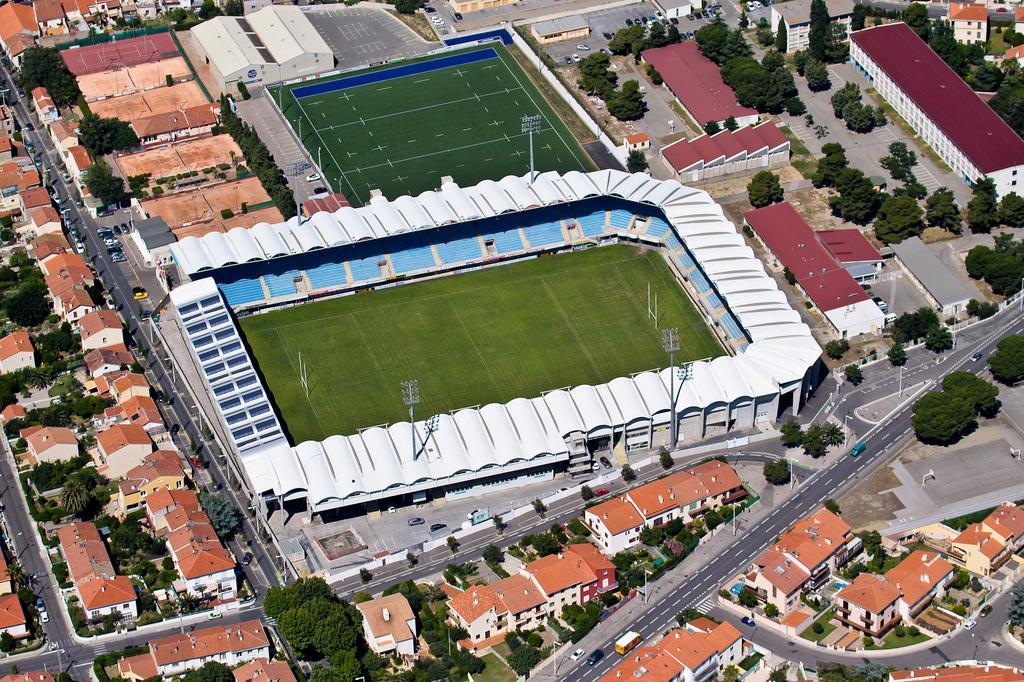 Stade aim giral info stades - Piscine gilbert brutus perpignan ...